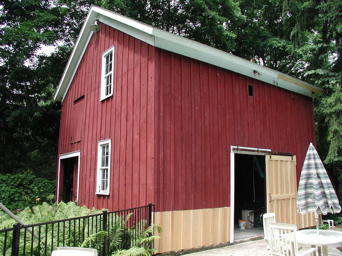 Historic Barn in Northville